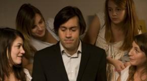 Fais-moi plaisir (Emmanuel Mouret, 2009) : amour et maladresses