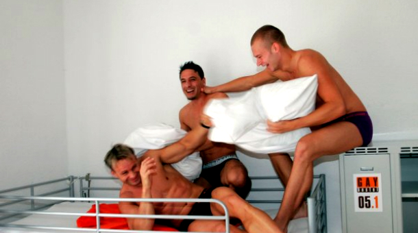 my_gay_hostel_berlin_00