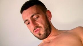 Porno Gay Français – Mathieu Ferhati : tous à ses pieds