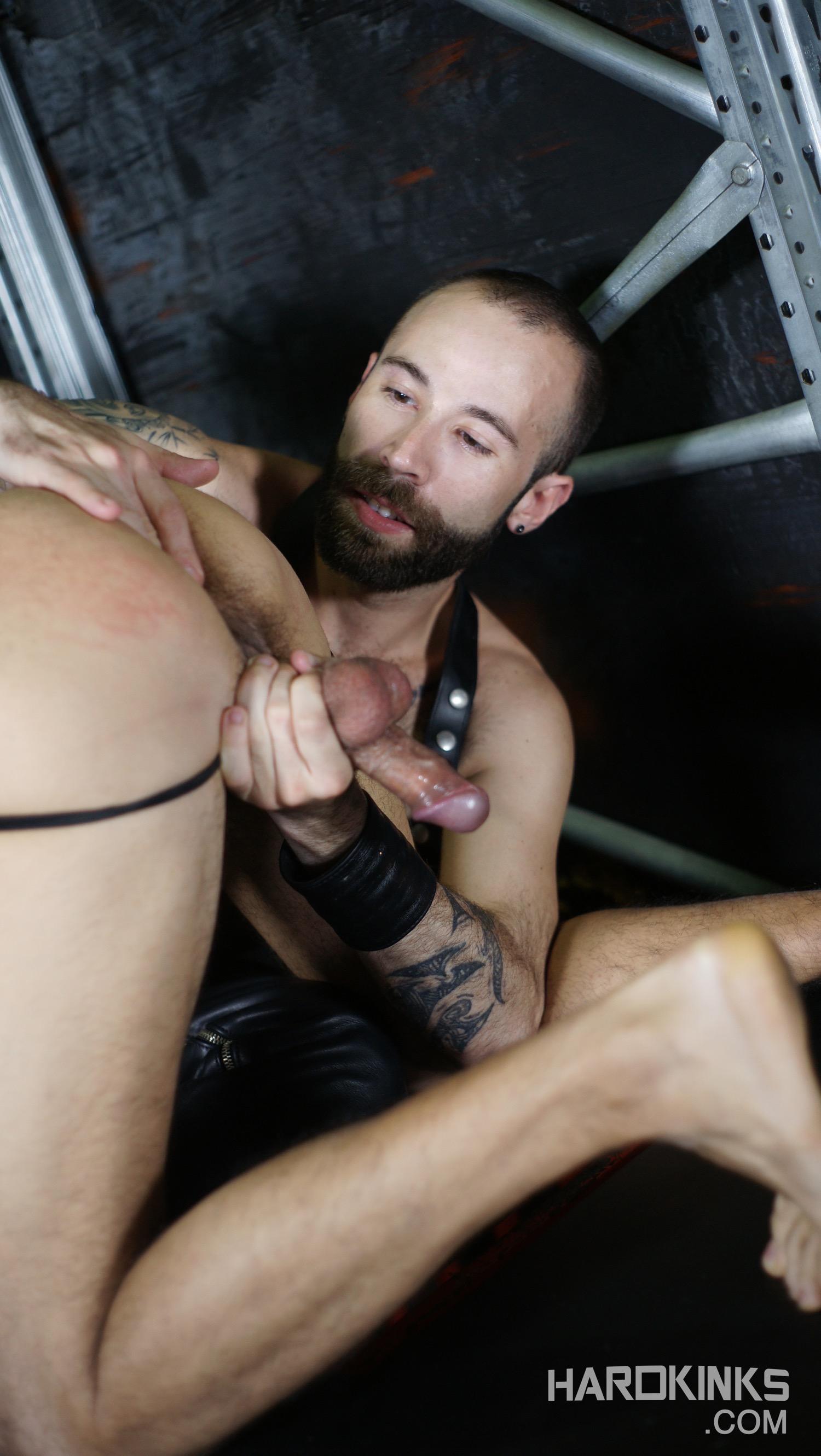porno-gay-sale-03