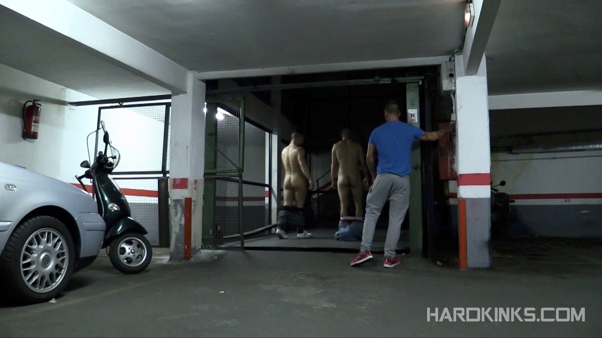 domination-gay-parking-06