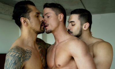 plan a trois gay hard